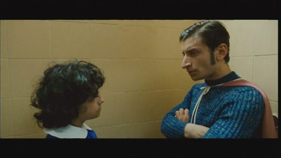 clip-3-la-kryptonite-nella-borsa-9194